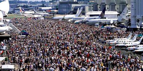 Airbus, Boeing'le arayı açtı
