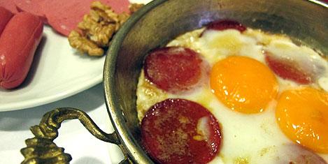 Asya Suites'de organik kahvaltı