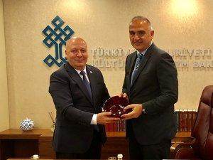 Bakan Ersoy: Nitelikli turist, nitelikli yöneticilerle kazanılır