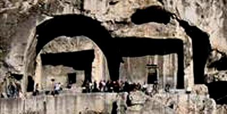 2100 yıllık mezar mağaralar