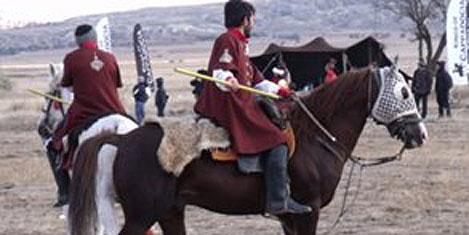 Avanos'ta atlı cirit gösterisi