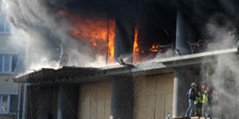 Park Oteli inşaatında yangın