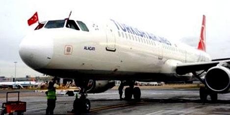 Uçakta kadın yolcuya taciz
