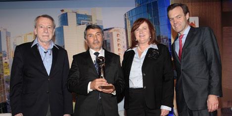 Murat Dedeman'a liderlik ödülü