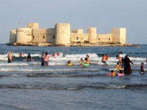 Yaz bitti, Kızkalesi'nde deniz keyfi bitmedi