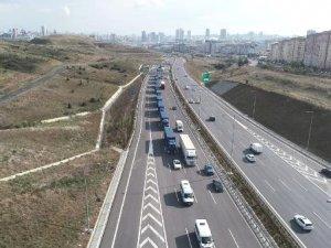 Tırlar Atatürk Havalimanı'ndan hareket etti