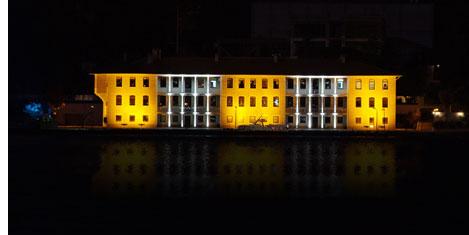 Beylerbeyi'nde bina ışıl ışıl