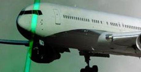 Uçağa lazer tutana büyük ceza