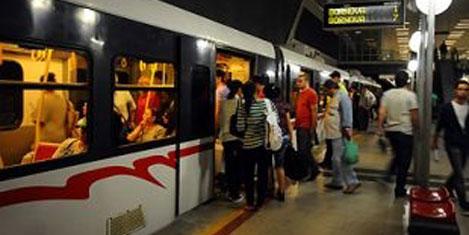 İzmir Metrosu'na 60 milyon yolcu