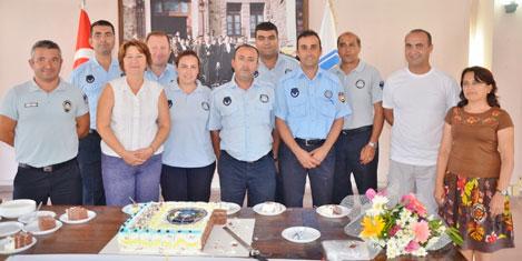 Turgutreis'te zabıtaya kutlama