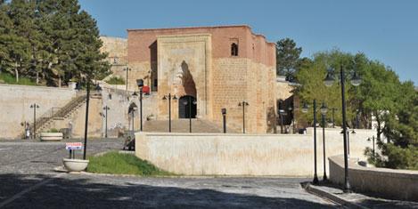 Efes'i hac merkezi yapmalıyız