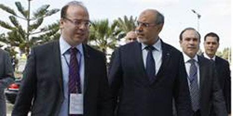 Tunus Turizm Bakanı'ne 2 bakanlık