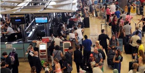 Havayoluyla 10 milyon kişi uçtu!
