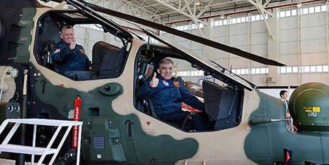 Gül ve kral helikopter kokpitinde