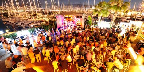 Marina Yacht Club'a yıldız yağmuru
