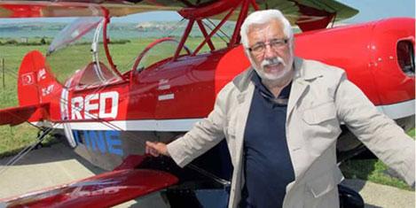 Pilot Murat Öztürk hayatını kaybetti