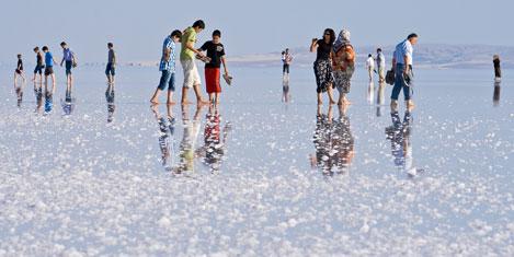 Suları çekildi, turizm canlandı
