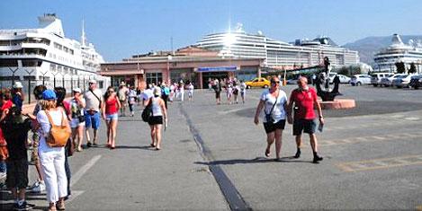 İzmir'de deniz turisti azaldı