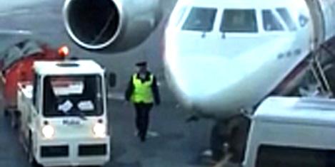 Rusya'da valizler uçaktan atılıyor