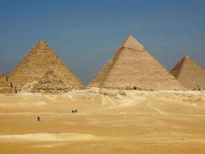 Keops Piramidi'nin ortasındaki sır