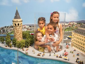 Merlin Entertainments'tan eğlendirerek eğitim