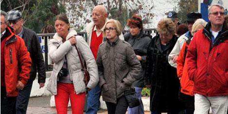 Turistler kaçak acenteden dertli