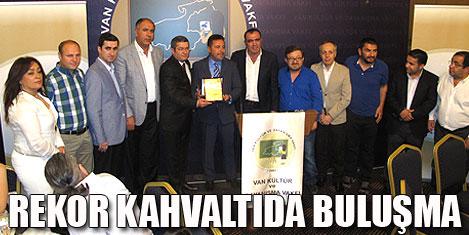 Van'ın rekor kahvaltısı İstanbul'da