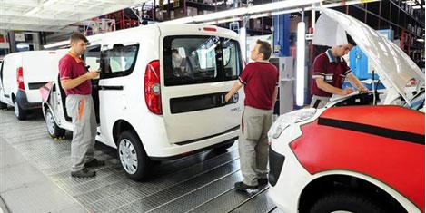 Ekonomiyi otomotiv taşıyor