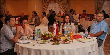 THY, Türk ve Ruslara iftar verdi