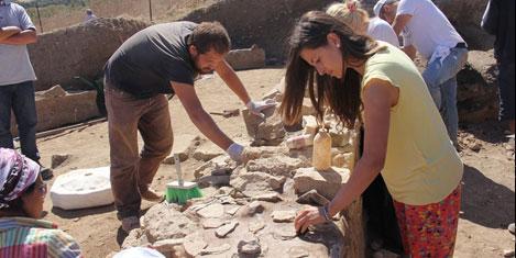 Parion antik kenti kazılıyor