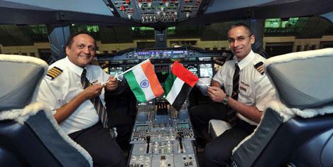 Emirates A380'i Bombay'de