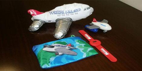 THY'den çocuk yolcuya oyuncak