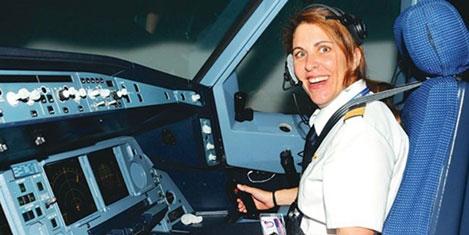 THY'nin İspanyol kadın pilotu