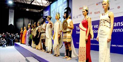 Turizmciler 'Travel Turkey İzmir'de