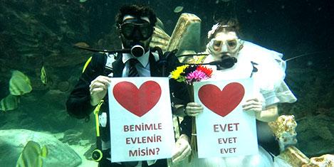 Su altında nikah kıyacaklar