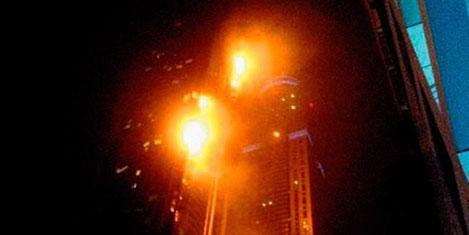 Dubai'de yangın kulesi