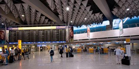 Frankfurt Havaalanı'nda açık
