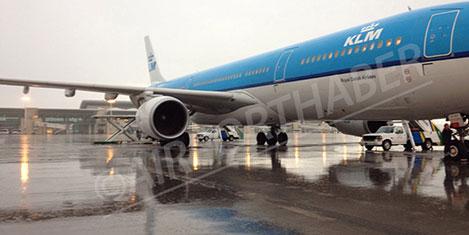 KLM Esenboğa'ya acil iniş yaptı