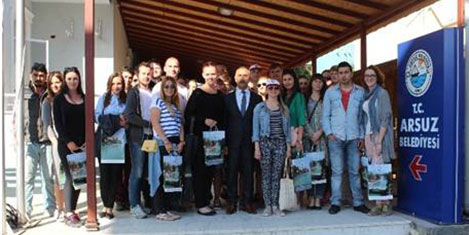 AvrupalI öğrenciler turizm Arsuz'da