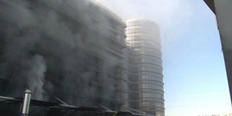 Otel inşaatındaki yangın korkuttu