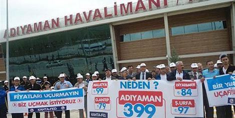 'Pahalı uçak bileti' protestosu