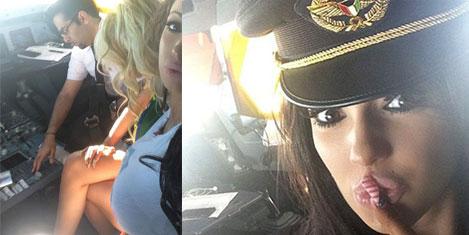 Pilot, porno yıldızını kokpite aldı