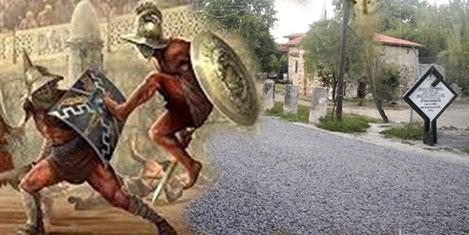 Gladyatör kentinin yolu yenilendi
