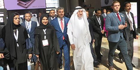Türkiye Dubai'de şifa dağıtıyor