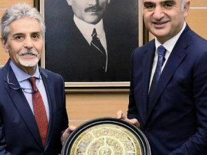 TÖSHİD, Bakan Ersoy'la 2019 turizmini konuştu