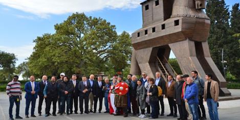 Turizm Yazarları Troia'yı gezdi