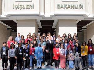 Bakan Süleyman Soylu, Diyarbakırlı öğrencileri ağırladı