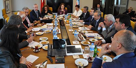 Bakan Avcı, TÜRSAB yönetimi ile görüştü