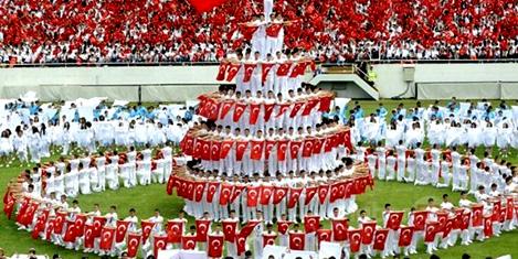 Milli bayramlar Türklerin simgesi