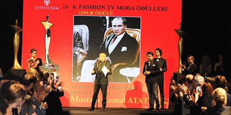 Atatürk En İyi Giyinen Devlet Adamı